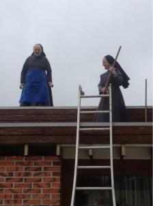 nonnen op het dak